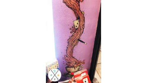 El mural une los mundos de la magia y el té.