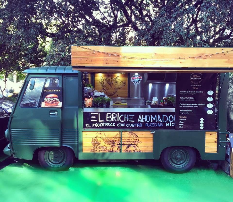 """""""El Briche Ahumado"""" es el food truck de Javier Brichetto."""